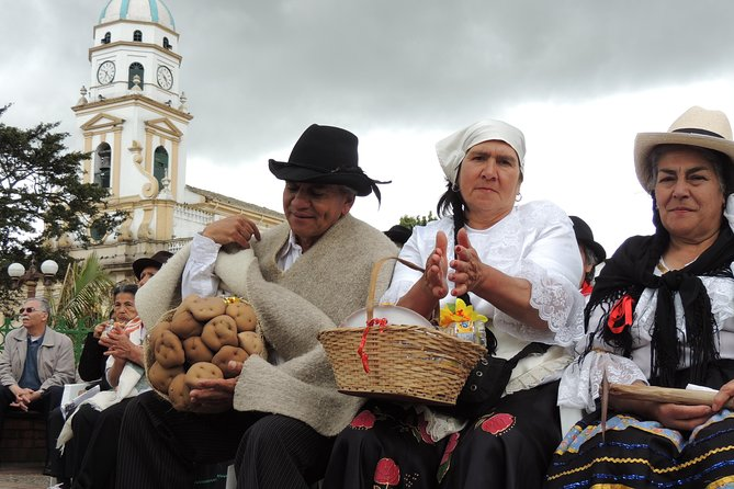 Private Day Trip to Traditional Towns Around Bogotá. Lunch, snacks, transportati