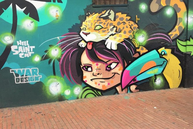Private Walking Graffiti Tour in Bogota
