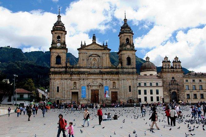 Excursão com escala em Bogotá - 4 horas. Inclui traslado dentro e fora.