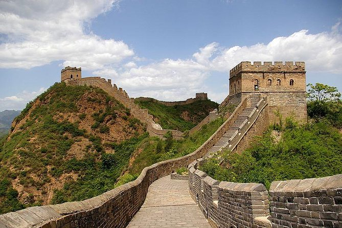 Private Transfer: Tianjin Cruise Port to Great Wall of China with Beijing Drop-Off
