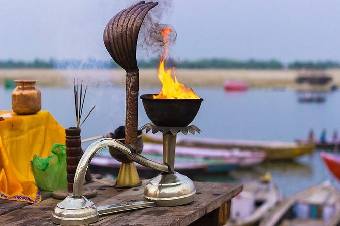Divine Ganga Aarti in Haridwar and Rishikesh Tour