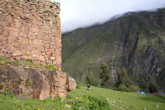 Pumamarca Ruins Trek to Machu Picchu in 2 Days