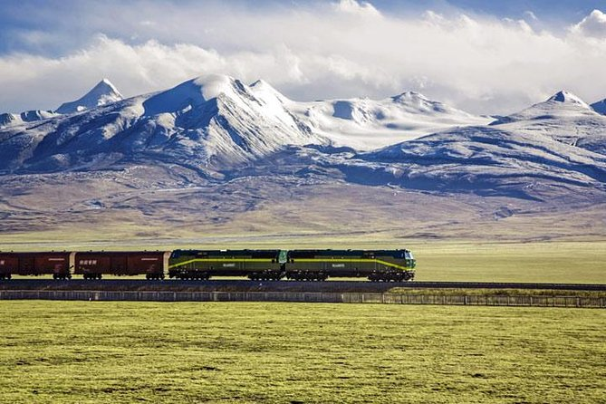 Small-Group 5-Night Lhasa Tour by Train from Shanghai