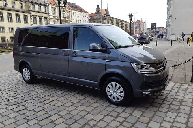 Private Departure Transfer: Hotel to Wroclaw Airport
