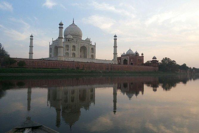 Private Day Tour to Taj Mahal from Delhi
