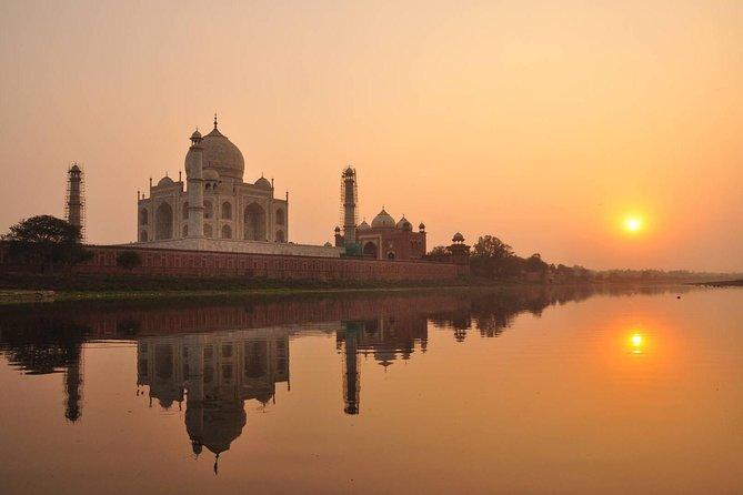 Private Taj Mahal Sunrise Half-Day Trip from Agra