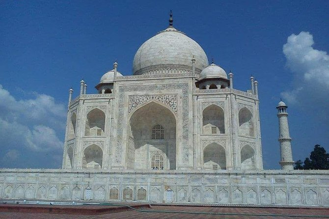 1-Day Private Luxury Tour of Taj Mahal by Mercedes Benz