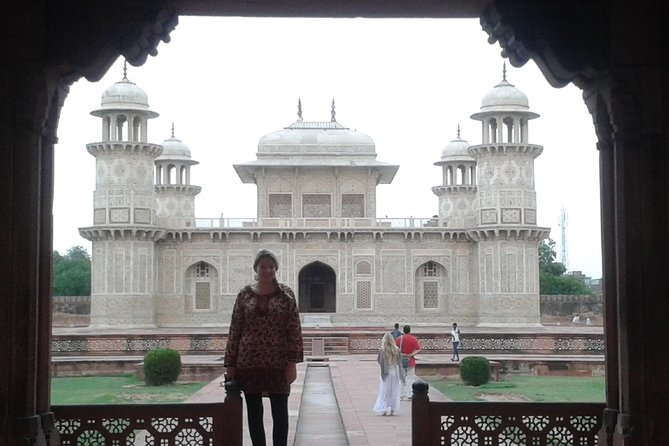 Delhi to Agra and Taj Mahal Private Day Trip by Express Train with Lunch photo 24