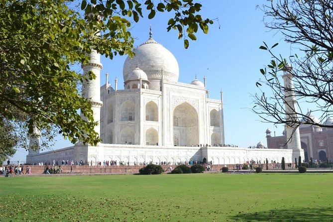 Private Trip To Agra With Taj Mahal & Agra Fort by Gatimaan Express Train