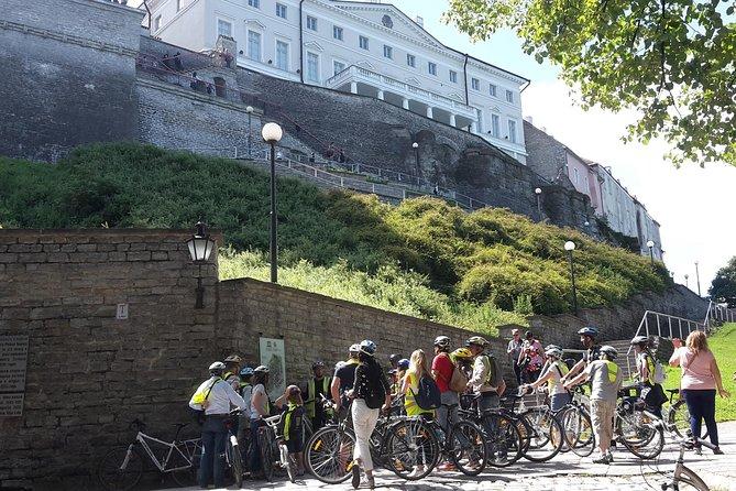 Recorrido en bicicleta de Tallin desde el puerto