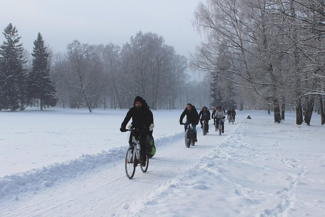 Tallinn Winter Bike Tour with Cafe Stop and Market Visit