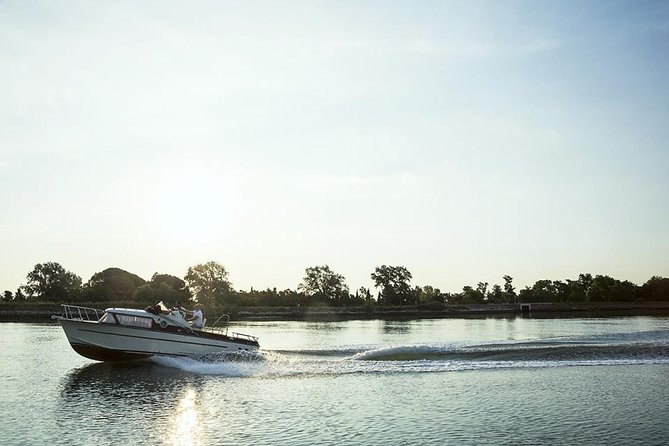 Private Cruise: Venice Enchanting Northern Lagoon with Wine Tasting and Lunch