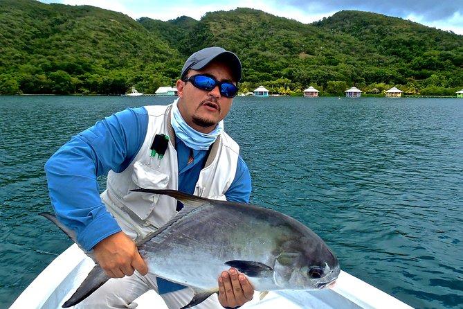 Full-Day Private Fly Fishing Adventure fra Roatan Island, Honduras