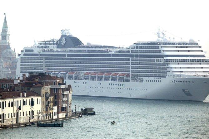 Private Transfer Venice Airport to Venice Cruise Terminal