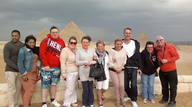 Full Day Tour in Giza Saqqara and Memphis Including Lunch