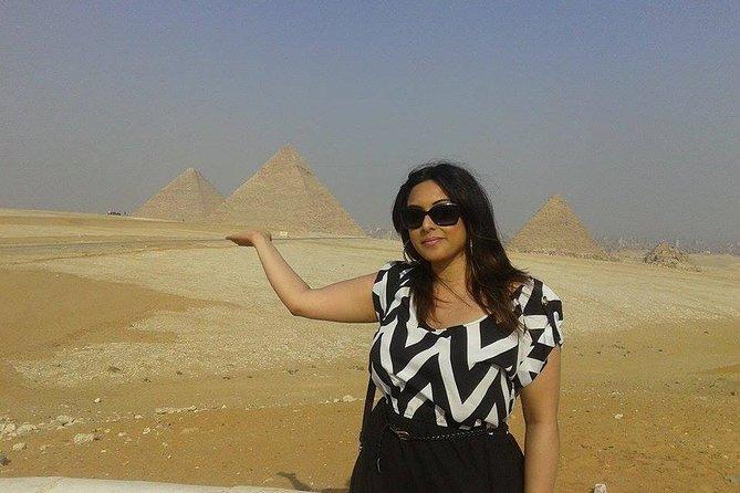 Solo Female Traveler Tour to Giza Memphis and Saqqara