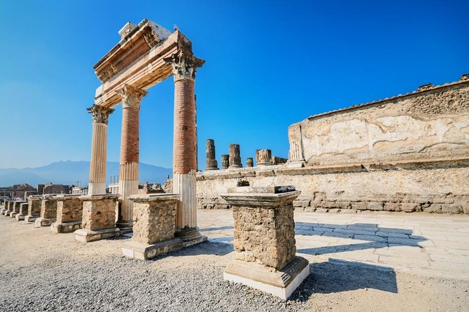 Daily Pompeii Group Tour with Archaeological Guide