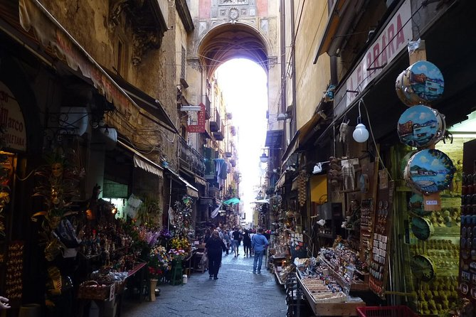 Naples Walking Tour with Underground Ruins