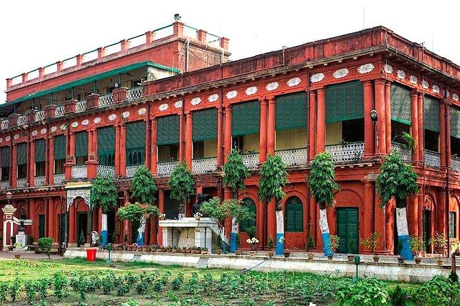 Day tour in Kolkata about Netaji, Rabindranath Tagore and a wealthy merchant