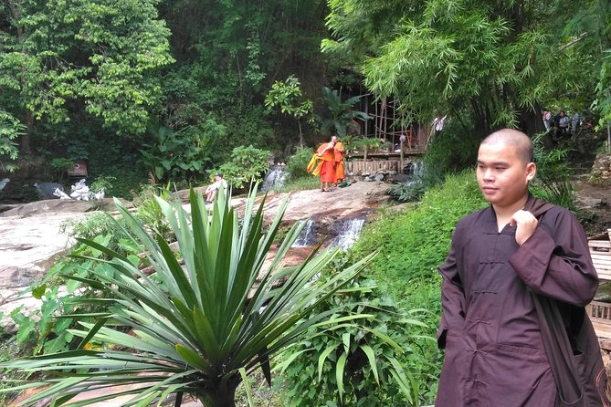 Hiking the Monk Trail to Wat Suthep