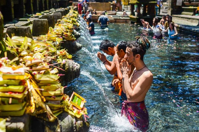 Ubud Full-Day Sightseeing Barong dance, Water Temple, Volcano, Rice Terrace Tour