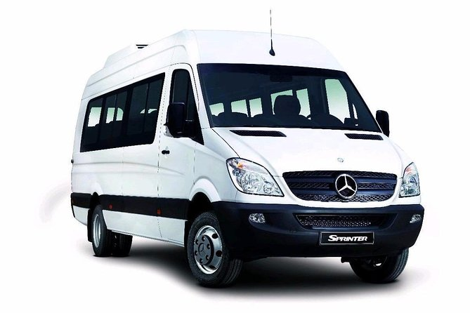 Departure Private Transfer from Vienna City to Vienna Airport VIE by Minibus