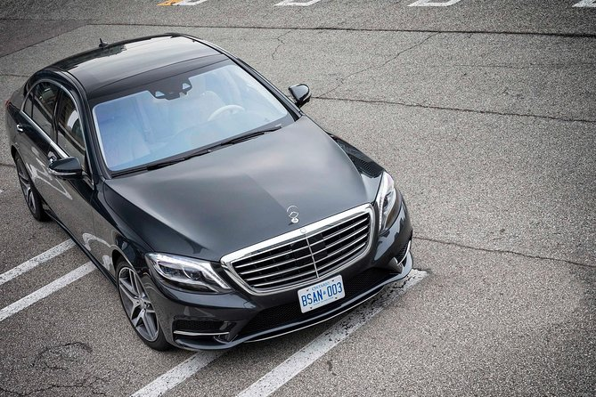 Private Munich Central Station Arrival Transfer to Munich City by Luxury Car