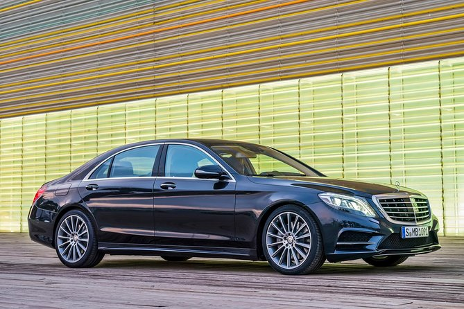 Departure Private Transfer Dusseldorf to Dusseldorf Train or Port by Luxury Car