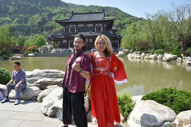 Brush Calligraphy and Tang Costume Experience at Huaqing Palace in Xian