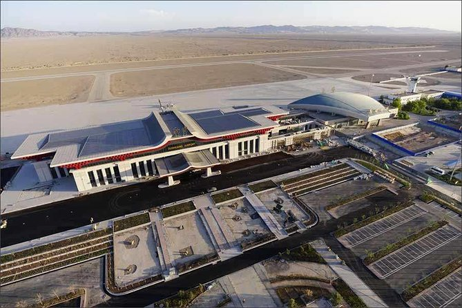 Private Airport Transfer: Dunhuang Airport (DNH) to Dunhuang Hotel