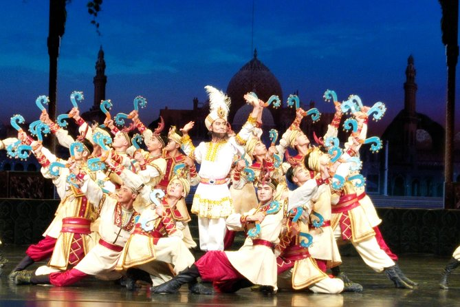 Private Tour Dinner In The Local Restaurant And The Silk Road Show With Transfer