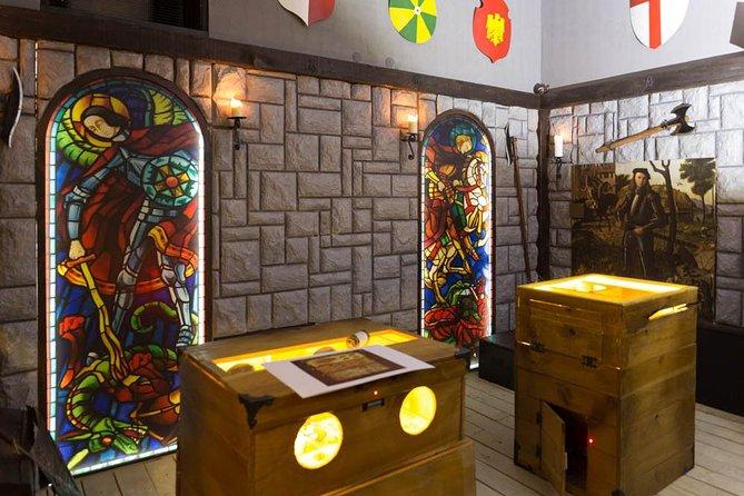 Zagreb: Black Queen's Castle Escape Room Adventure