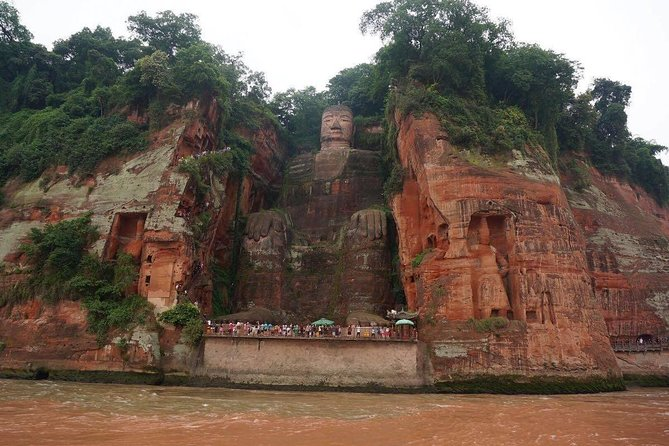 1-Day Chengdu Panda Base and Leshan Giant Buddha GROUP Tour