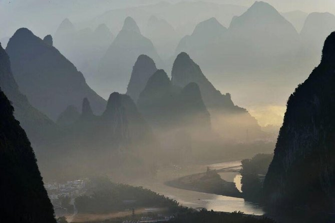 Yangshuo Xianggong hill & Silver Cave Private Day Tour