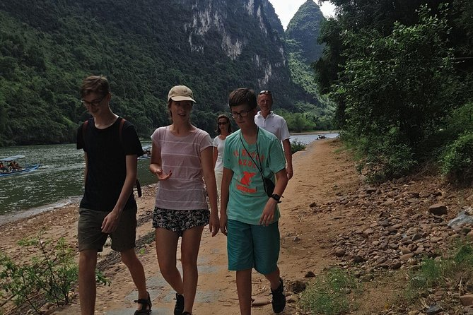Full Day Hiking Tour from Xianggong Hill to Xingping town Private Tour