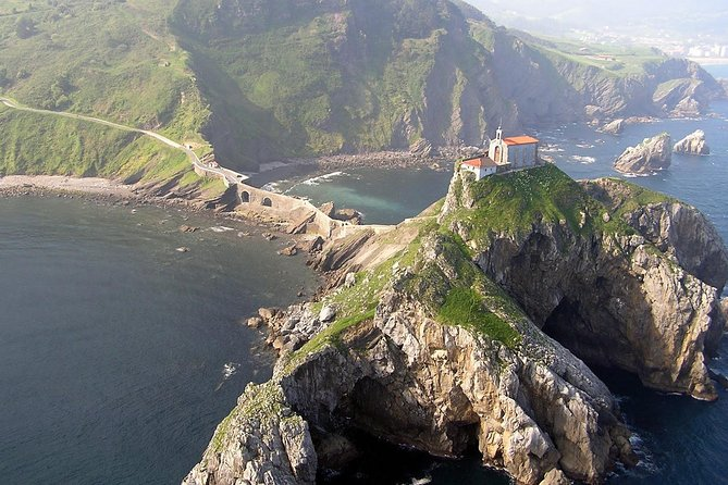 Bilbao, Guggenheim and Gaztelugatxe Small Group Tour with lunch