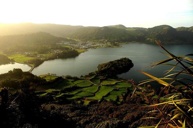 Full-Day 4WD Tour to Lagoa do Fogo and Lagoa das Sete Cidades