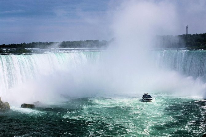 Private Niagara Falls-Niagara-on-the-Lake Day Trip and Winery Tour from Toronto