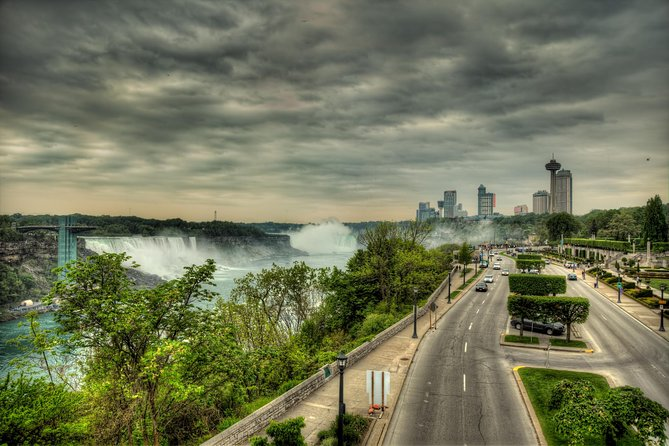 Private Custom-Made Niagara Falls Wine, Beer, and Spirits Tour