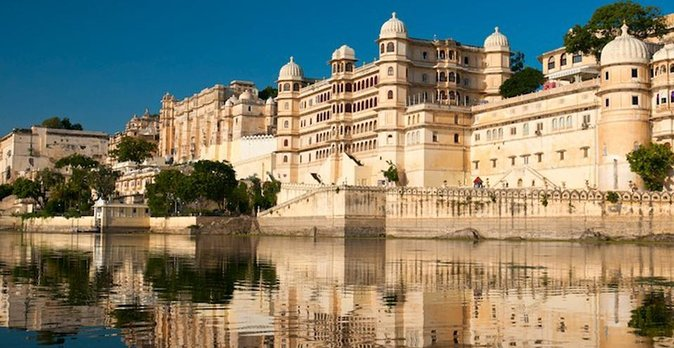 Full day sight seen tour of Udaipur India