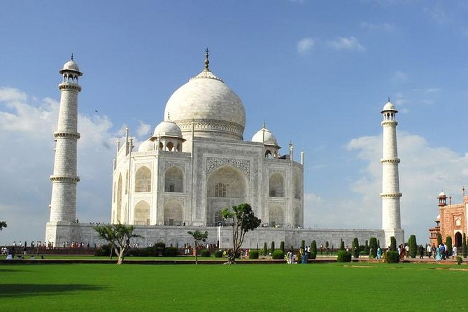 Private Day Tour of Taj Mahal and Agra Fort from Delhi With Optional Sunrise