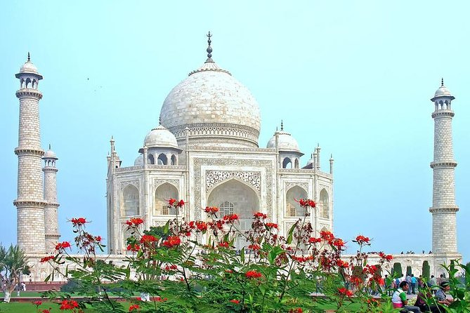 Private Majestic Tour of Taj Mahal In 1 Day With Lunch In 5 Star Hotel