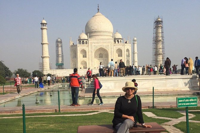 Private Day-Trip to Taj Mahal and Agra Fort from Pune with Round Trip Flight