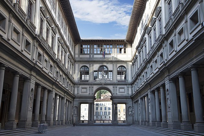 Uffizi Gallery and Holy Cross Church Private Walking Tour