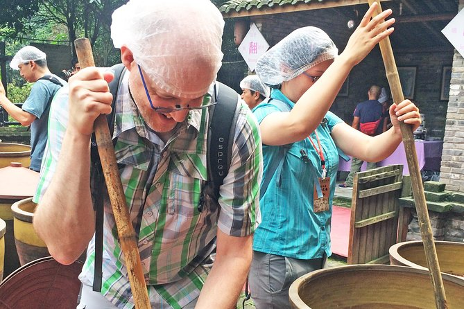 Private Exclusive Sichuan Spicy Cuisine Day Tour and Panda Base Visit