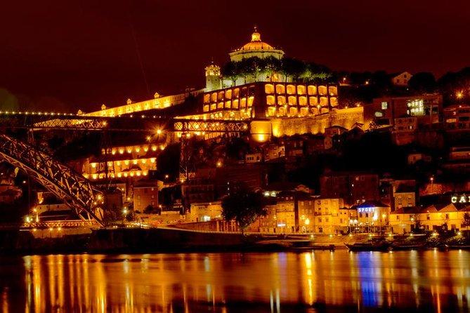 Night Tour in Porto with Fado Dinner