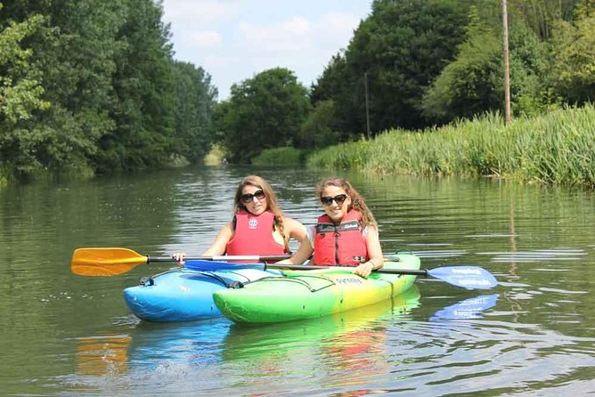 Paddling Tour with whoosh Explore Canoe Club on the River Stort