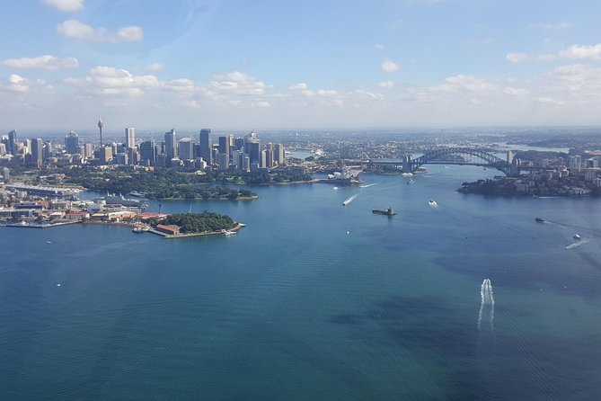 Tour de 30 minutos em Sydney Harbour e no Olympic Park Helicopter Tour