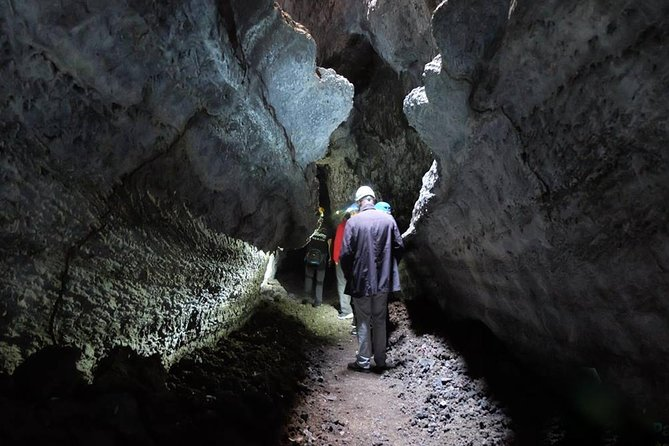 Excursão Espeleológica na Cueva de Las Palomas em La Palma