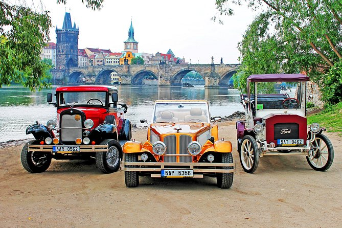 90min. oldtimer replica Sightseeing Tour in Prague
